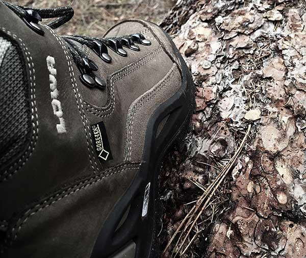 کفش در تجهیزات کوهنوردی
